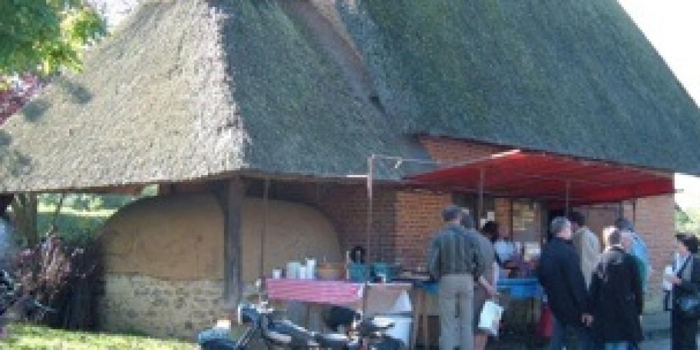 http://leclosnormand-camping.fr/wp-content/uploads/2016/04/dscf0528_2_med.jpeg